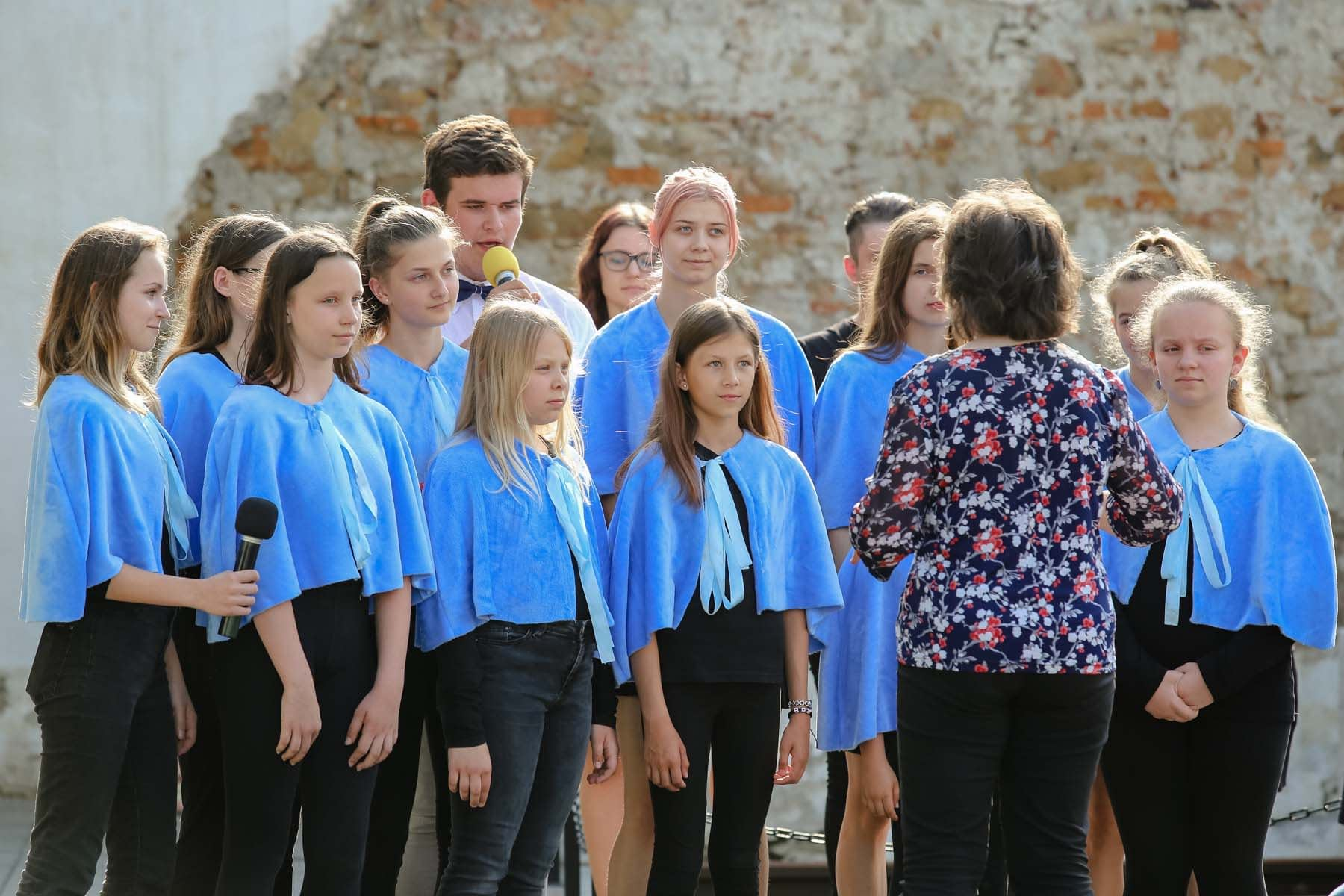 The ceremony inside the Memorial concluded with beautiful Hebrew singing of Hana Senesh's 'Eli, Eli' by the 'Blue Art School's' children's choir in Bardejov, led by Marta and Eduard Kmeť