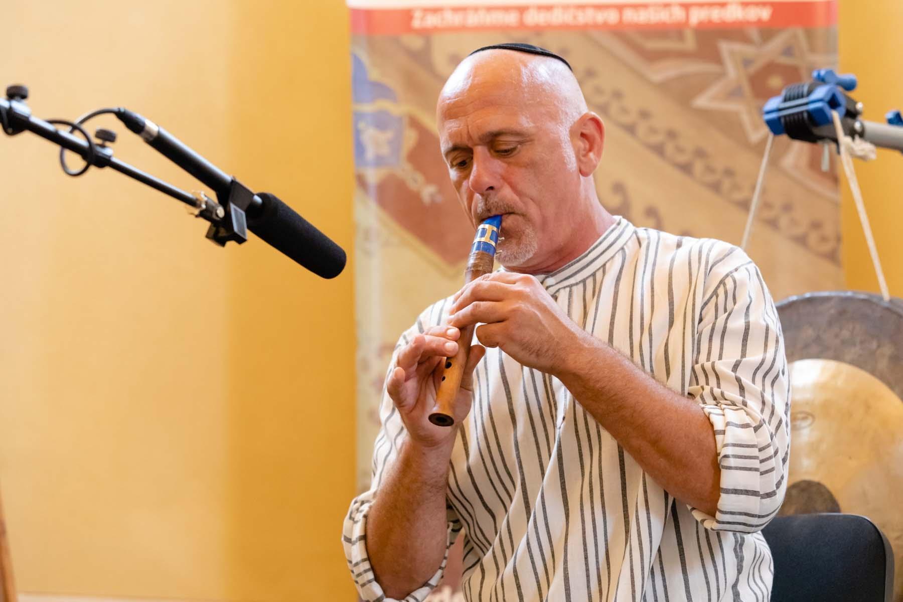 Special concert performed by Slovak multi-instrumentalist Michal Smetanka