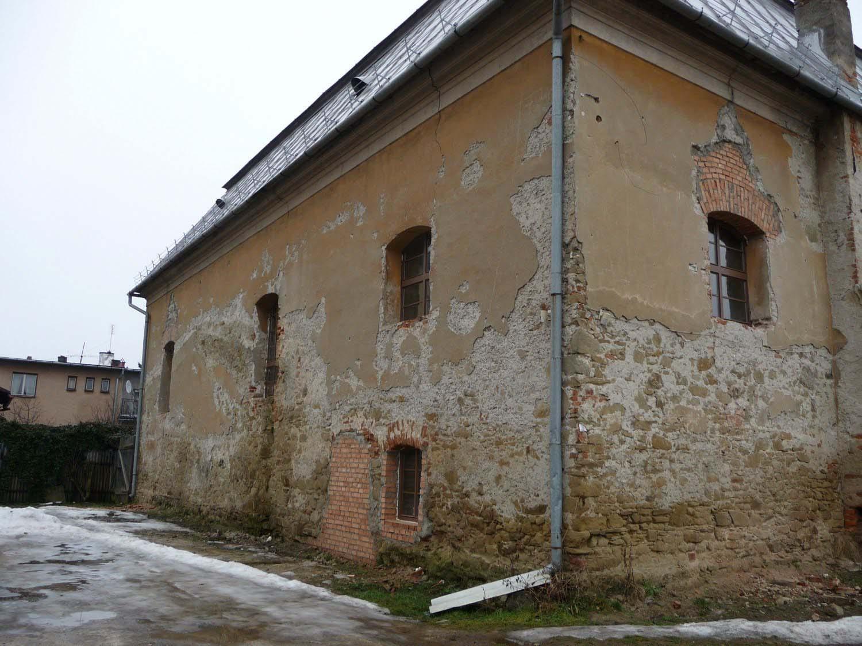 Exterior of Bardejov Old Synagogue showing damage before restoration