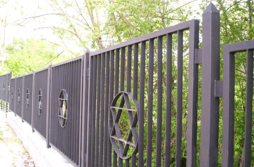 2009 - new fence surrounding the Jewish Cemetery