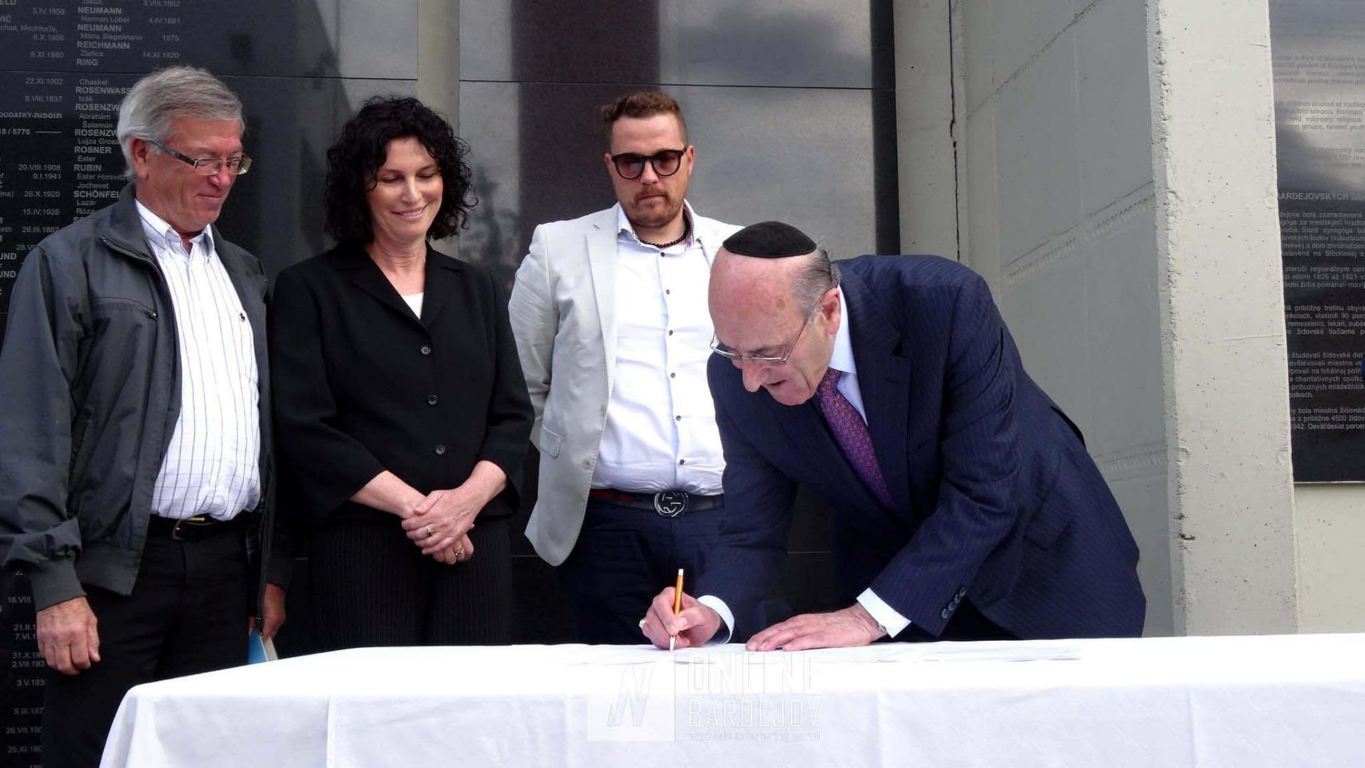 Mr. Emil A. Fish signs the Memorandum between our organization and UZZNO (the Central Union of Jewish Religious Communities in Slovakia) for the restoration of Beith Hamidrash.