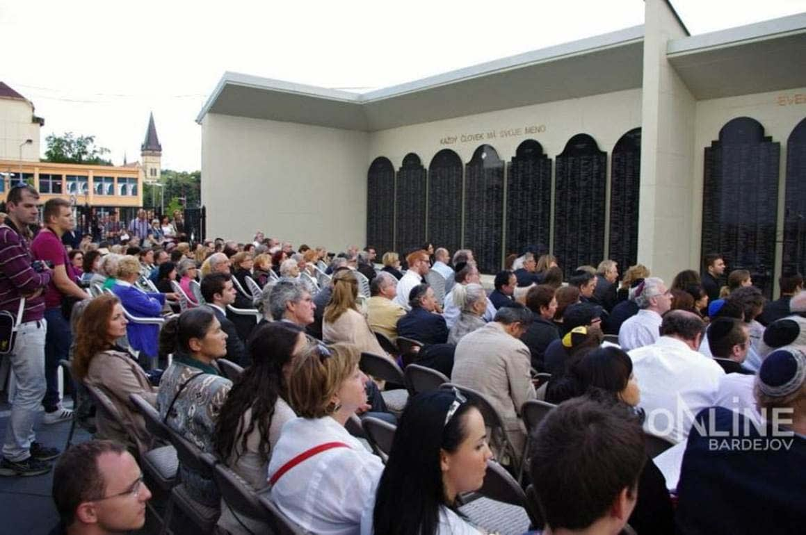 Approximately 400 people attended the event.