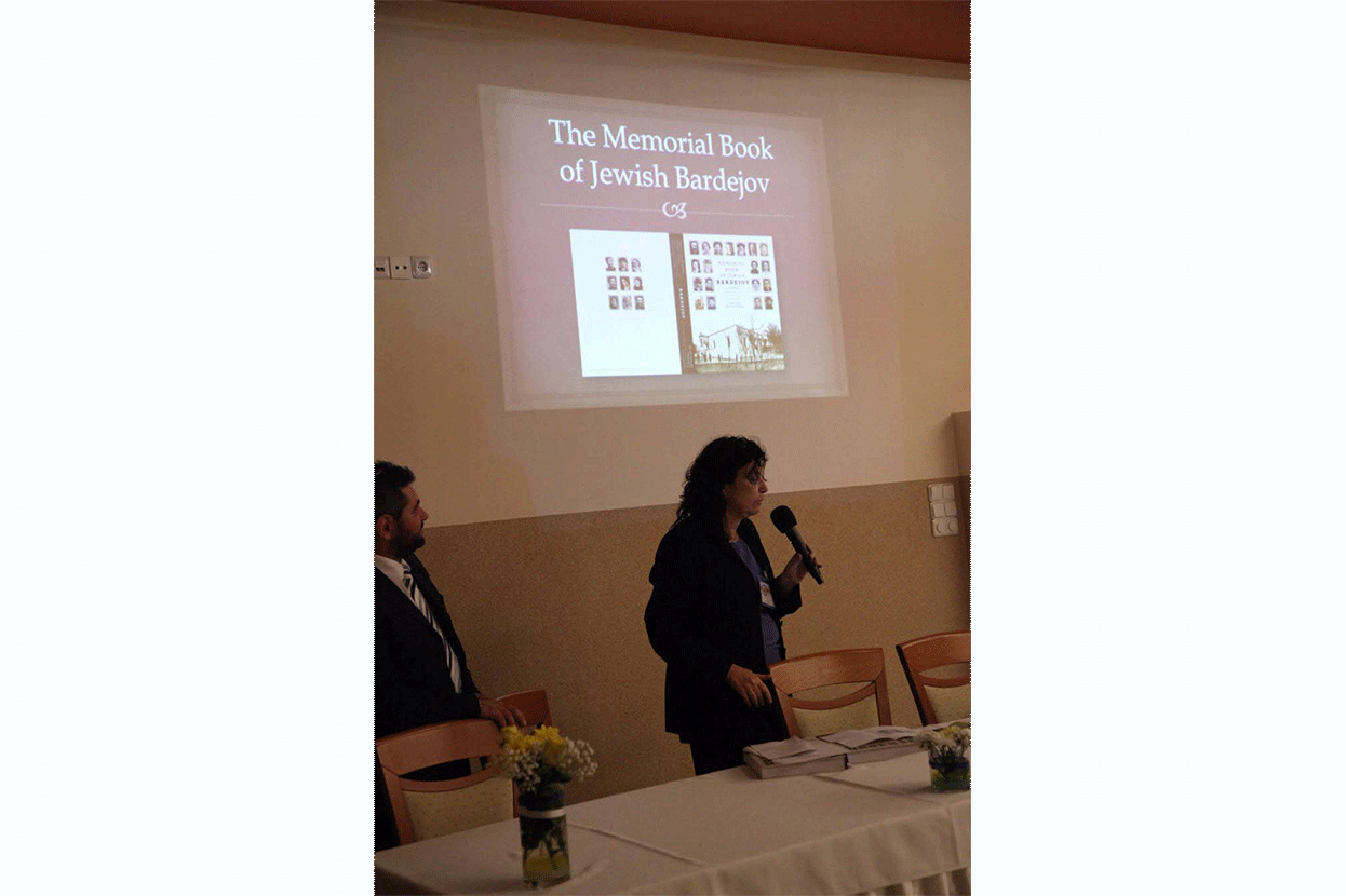 Presentation of the Memorial Book of Jewish Bardejov during the awards dinner